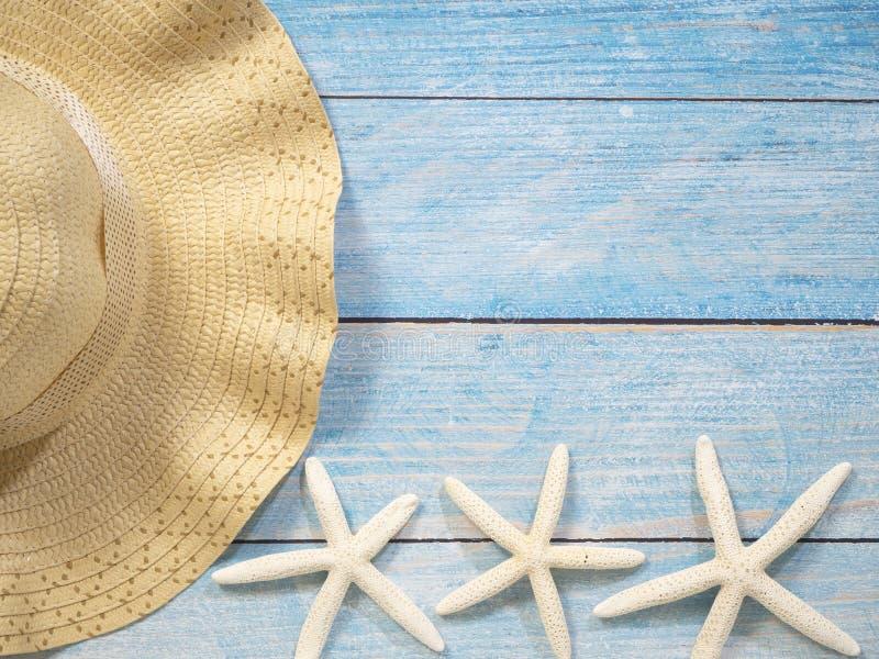 Раковины, морские звёзды, шляпы Идеи праздника стоковое изображение rf
