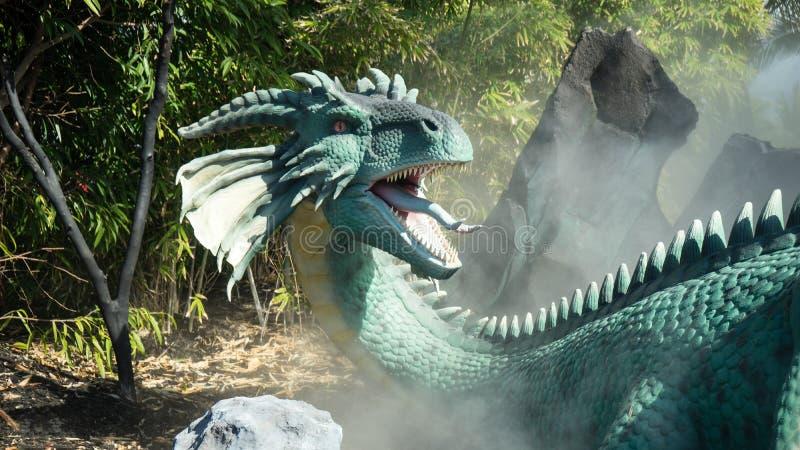 дракон fiery стоковая фотография rf