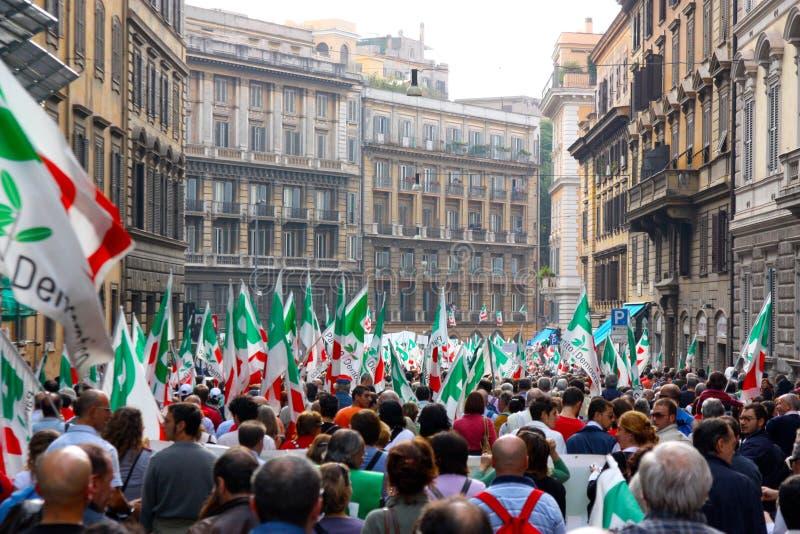 Download ралли Rome Pd Демократической партии Редакционное Фотография - изображение насчитывающей марш, цирк: 6862577