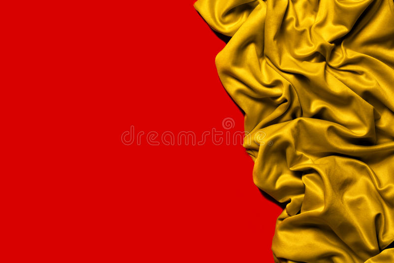 Рамка золота ткани Drapery волнисто Красная предпосылка стоковая фотография