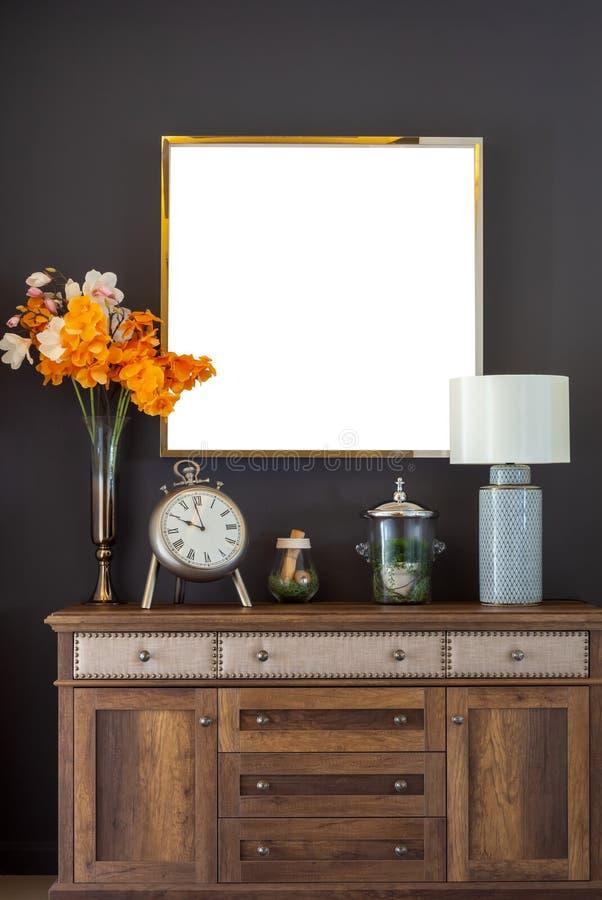 Рамка на винтажной живущей комнате стоковые фотографии rf