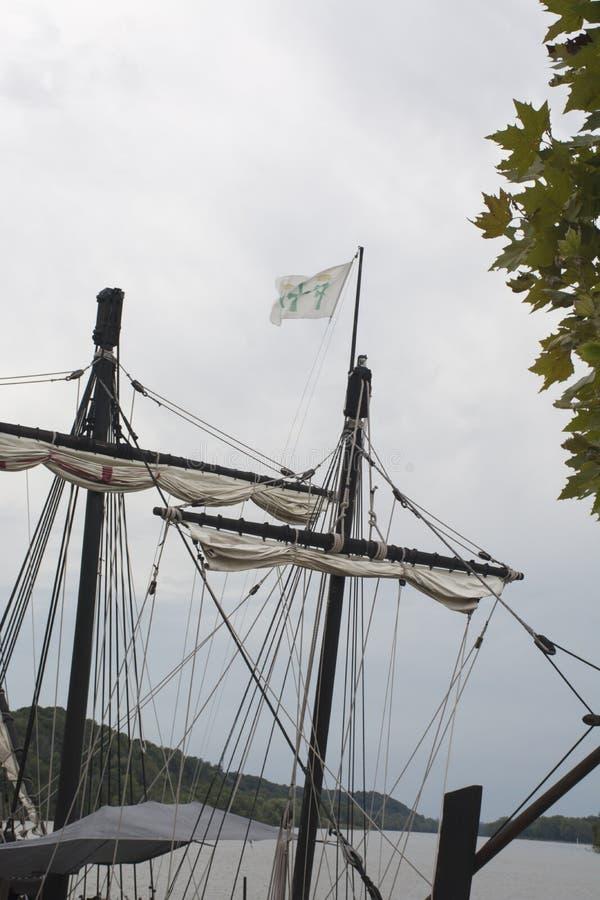 Рангоуты высокорослого корабля стоковое изображение rf