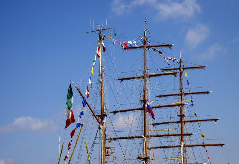 Рангоуты корабля моря стоковая фотография