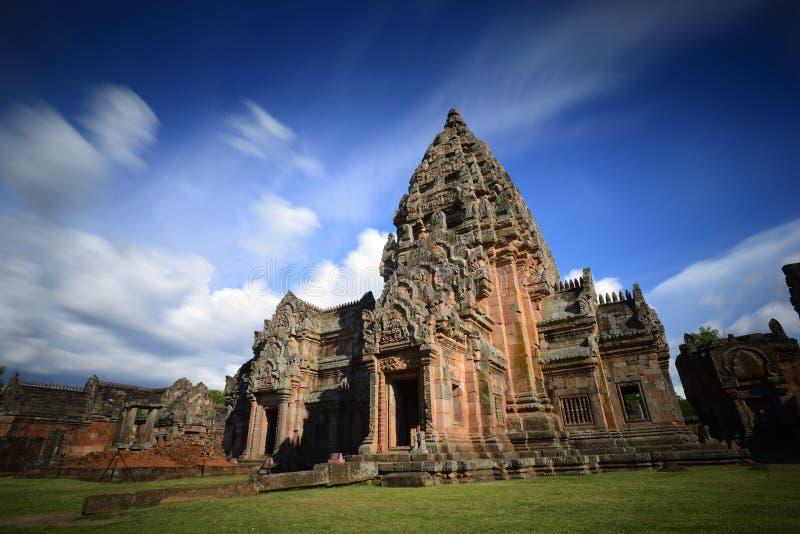 Download Ранг Prasat Phanom стоковое изображение. изображение насчитывающей замок - 41656981