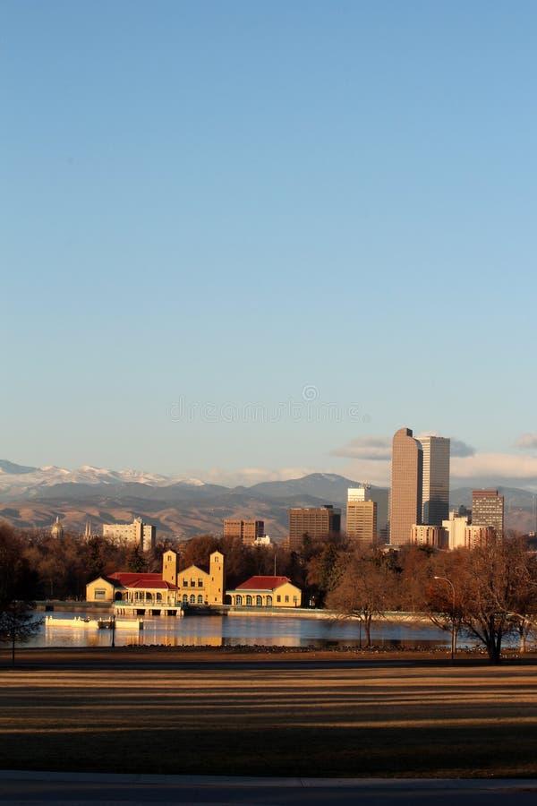 Раннее утро в парке города, Денвер, Колорадо стоковое фото