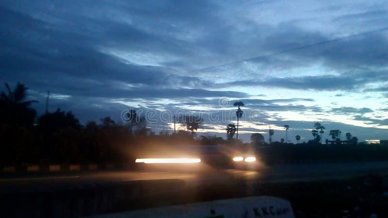 Рано утром взгляд дороги стоковые изображения rf