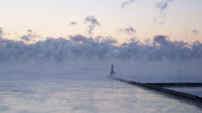 Рано утром на пристани стоковое изображение rf