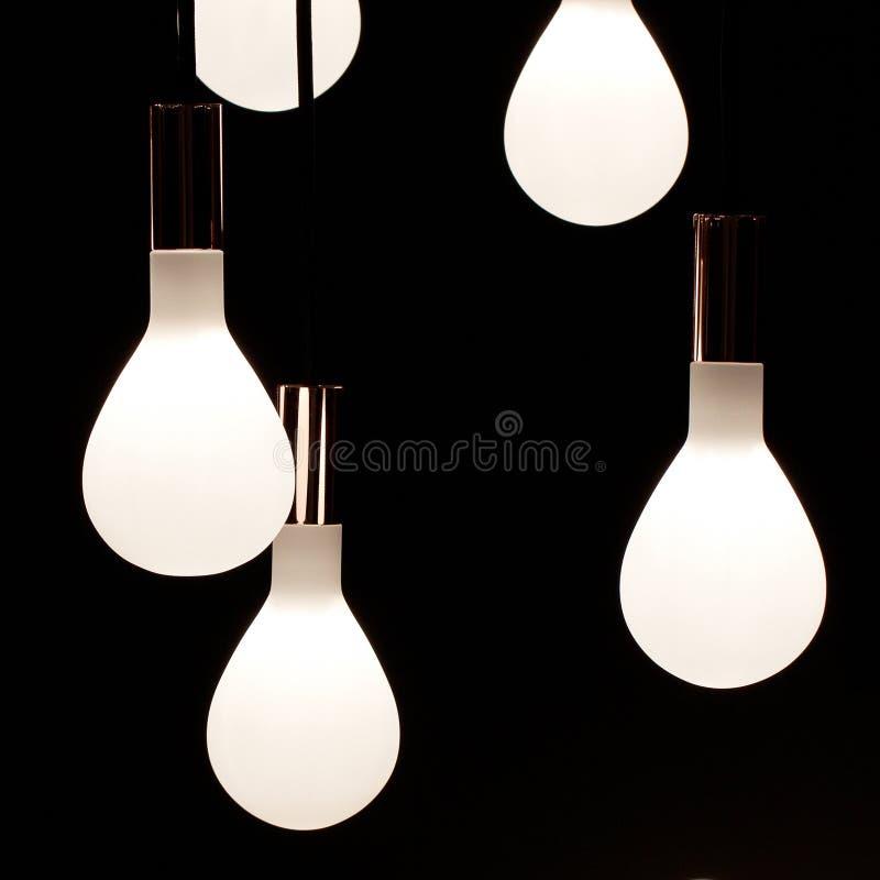 раскаленные добела светильники стоковые фото