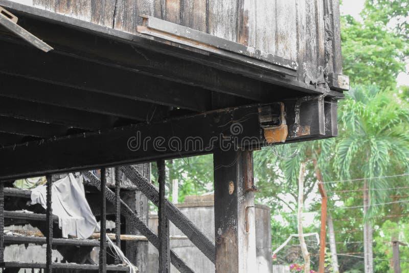 Расквартируйте пожар Деталь отображает пожарище от дома стоковые изображения rf