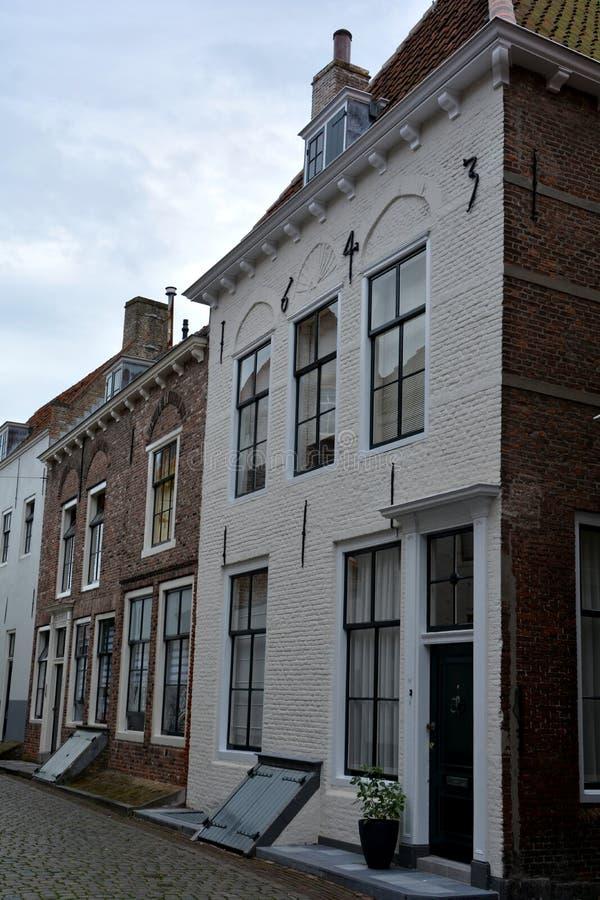 Расквартируйте фасад в старом городке Мидделбурга в Нидерландах стоковое изображение
