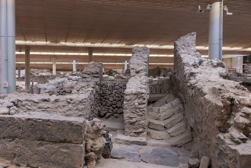 Раскопк музея археологических раскопок Akrotiri около острова Fira Santorini стоковое изображение rf