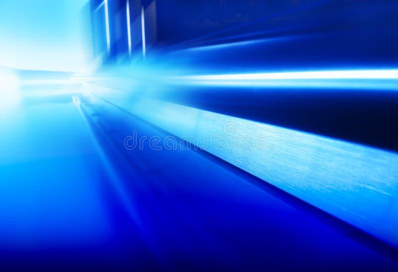 Раскосный футуристический голубой пол космического корабля с предпосылкой отражений стоковое изображение rf
