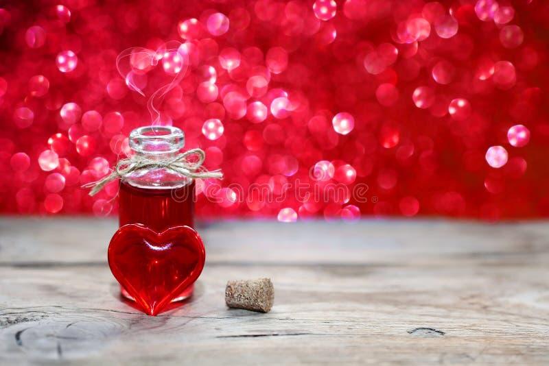 Раскройте бутылку зелья влюбленности стоковые изображения rf