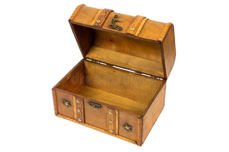 Раскройте старый деревянный комод на белой предпосылке стоковые фото