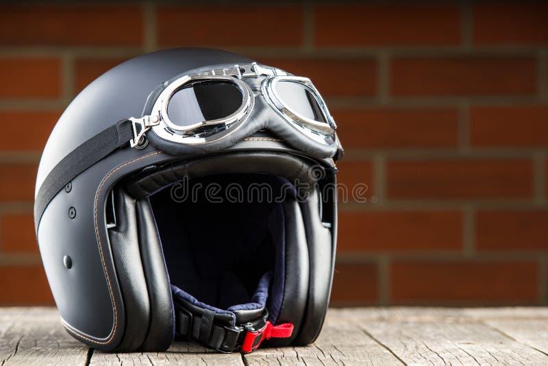 Раскройте шлем мотоцикла стороны стоковое фото