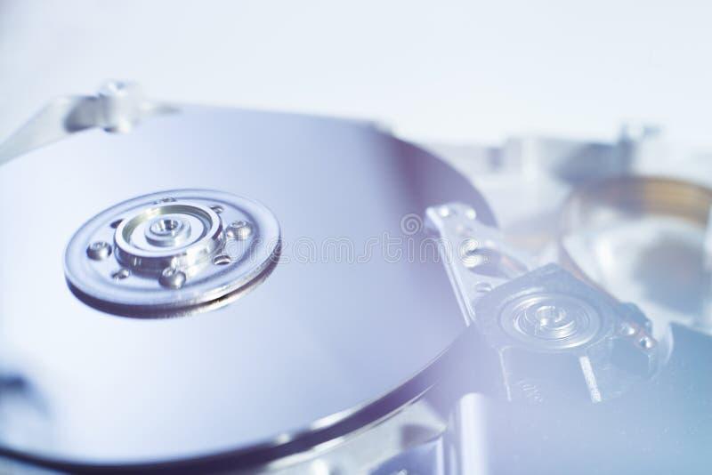 Раскрытый дисковод жесткого диска стоковое изображение rf
