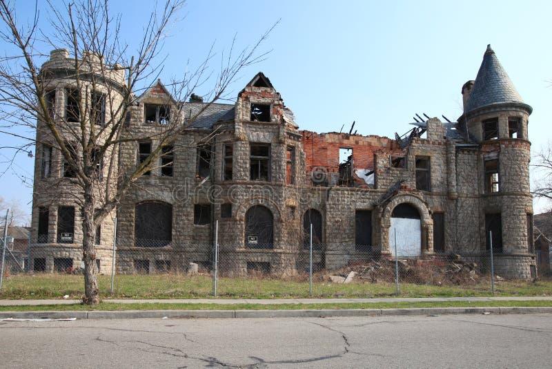 Распадаясь здание в Детройт, Мичиган стоковое изображение rf
