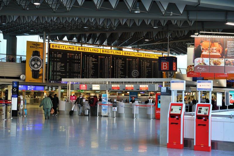 расписание frankfurt авиапорта стоковое изображение rf