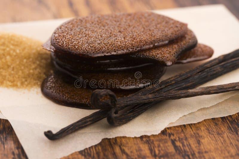 Расплавленная карамелька желтого сахарного песка с ванилью стоковая фотография rf