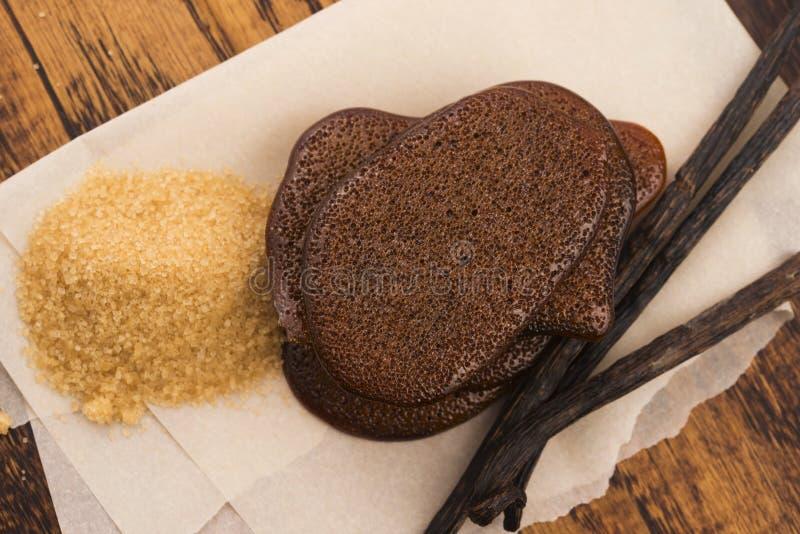 Расплавленная карамелька желтого сахарного песка с ванилью стоковое фото rf