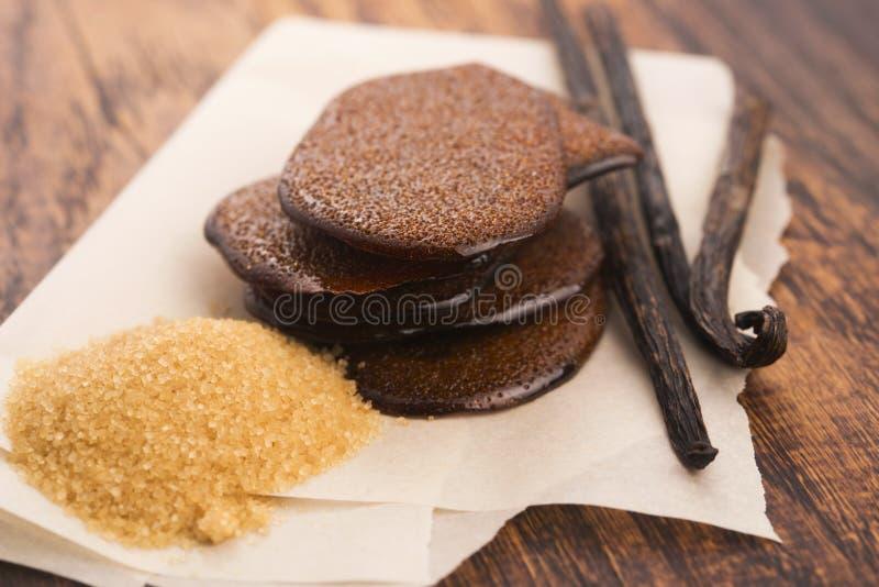 Расплавленная карамелька желтого сахарного песка с ванилью стоковое изображение
