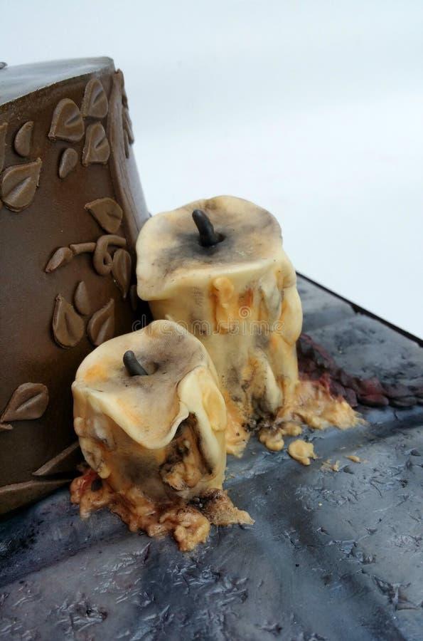 2 расплавленных годом сбора винограда модели свечи стоковое изображение