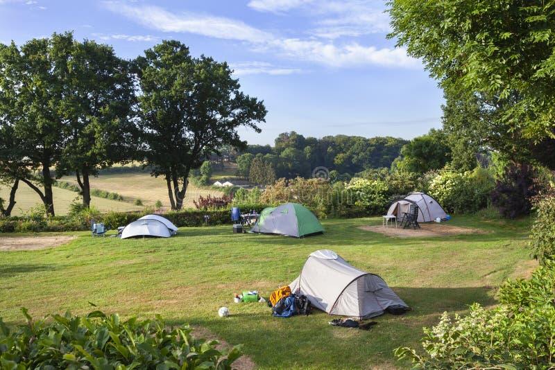 Располагаться лагерем с взглядом стоковое изображение rf