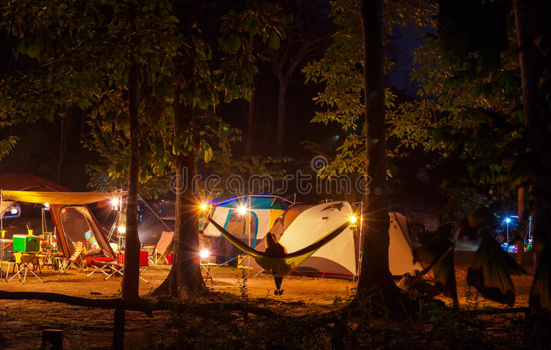 Располагаться лагерем ночи стоковые изображения