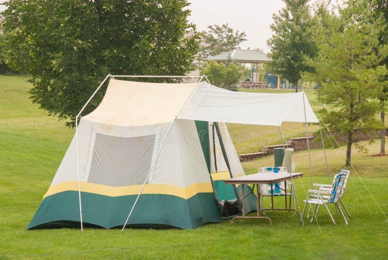 Располагаться лагерем стоковое изображение rf