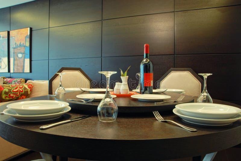 Расположение таблицы в дорогом ресторане изысканной кухни стоковые изображения