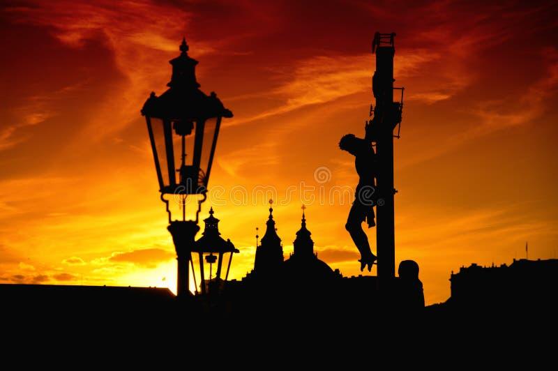 Распятие на Карловом мосте в Праге стоковое изображение rf