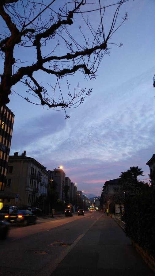 Рассветать в городе стоковое изображение rf