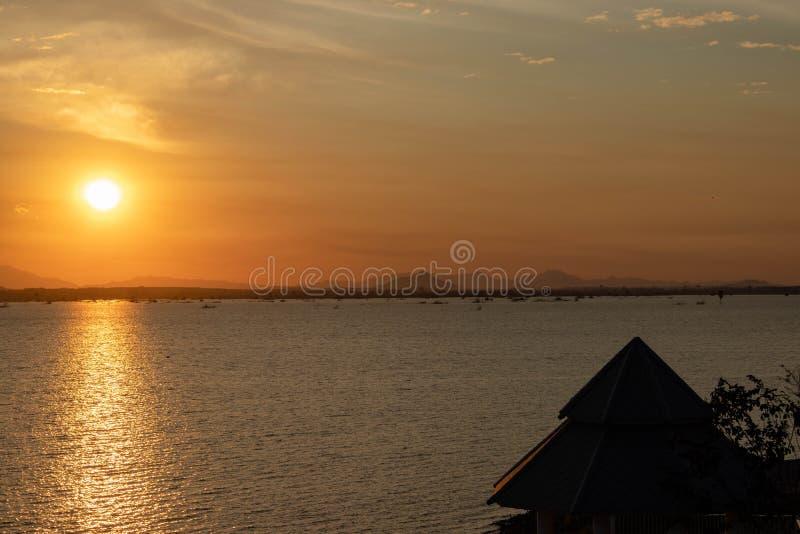 Рассветать подъема Солнца стоковая фотография