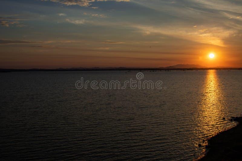 Рассветать подъема Солнца стоковое фото