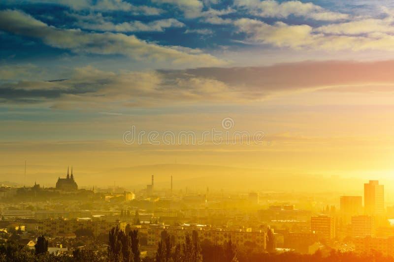 Рассвет 2 города стоковое фото