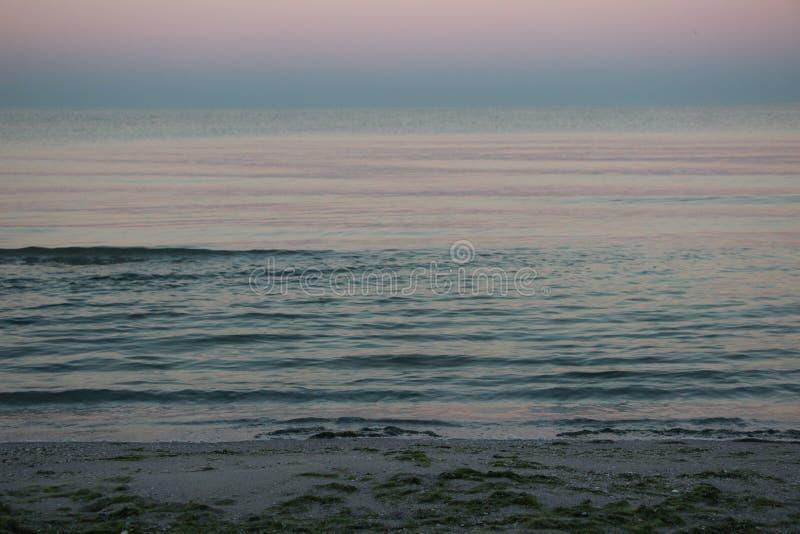 Рассвет на береге Чёрного моря на вертеле Kinburn стоковая фотография