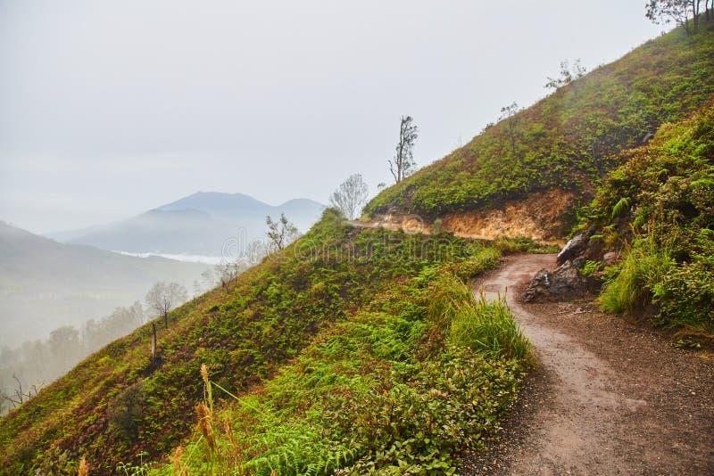 Рассвет на верхней части горы Взгляд вулкана стоковые фото