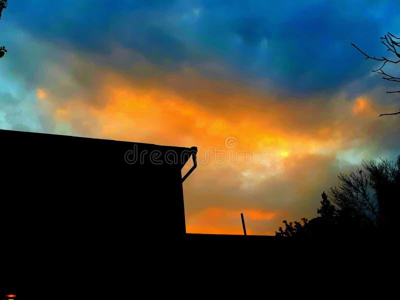 Рассвет на облаках стоковое изображение rf
