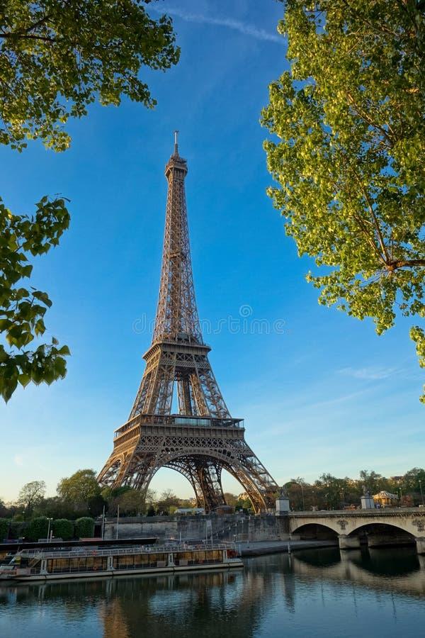 Рассвет на Эйфелева башне, Париж стоковая фотография