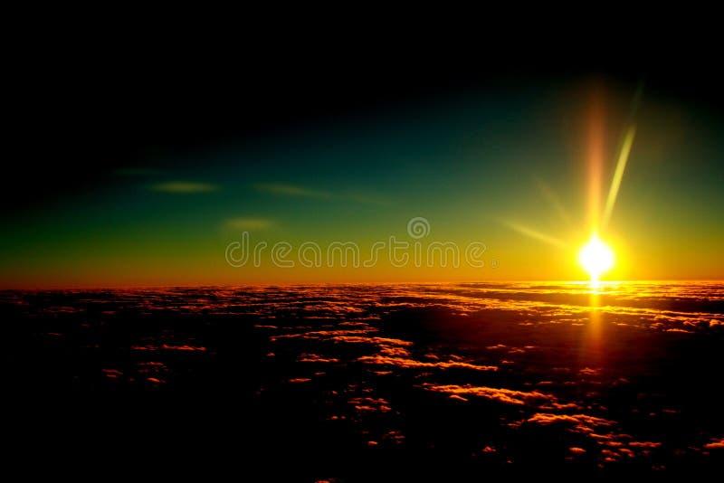 рассвет облаков румяный стоковое изображение rf