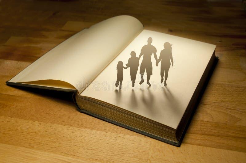 рассказ семьи книги стоковая фотография rf