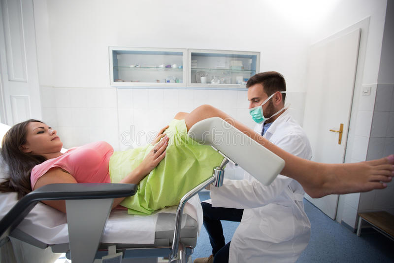 Рассмотрение клиники гинеколога стоковое изображение