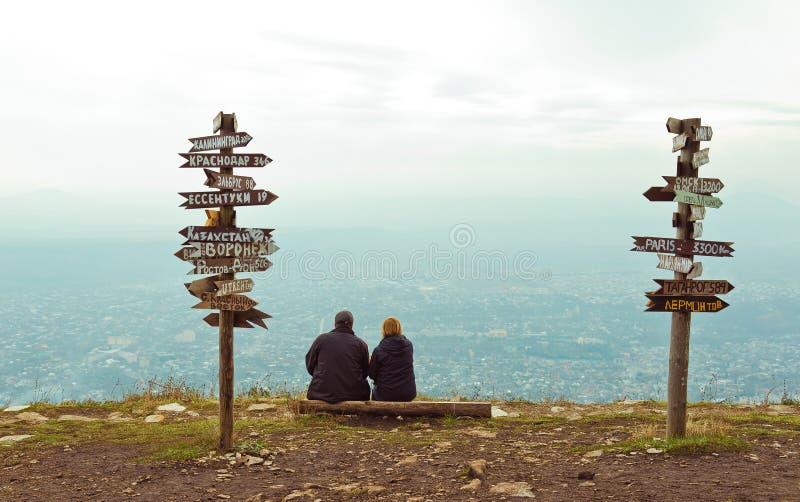 Расстояния указателей на верхней части Mashuk горы стоковые фото