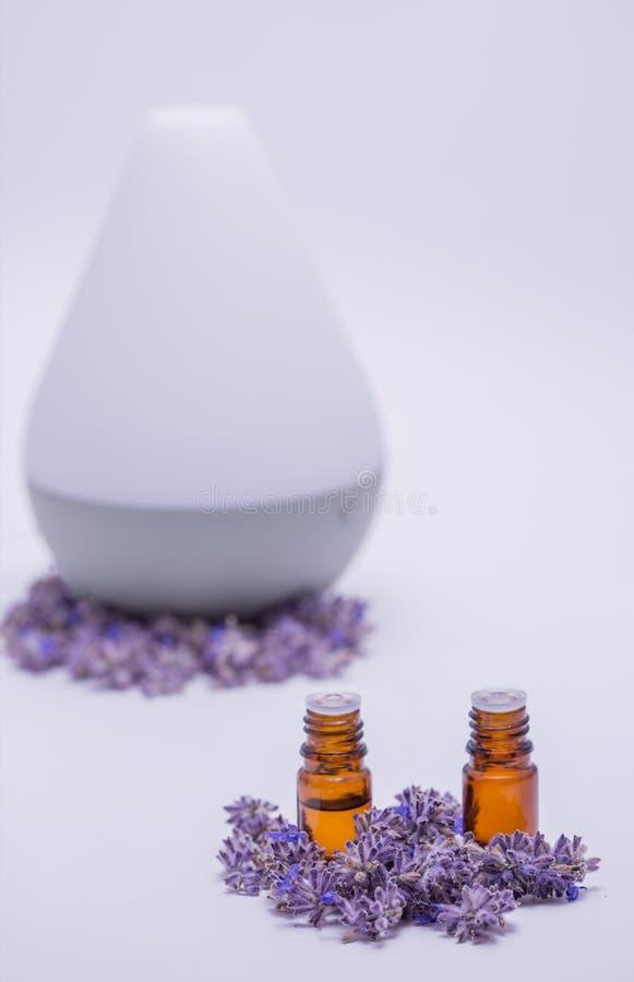 Расслабляющие эфирные масла и отражетель стоковое изображение