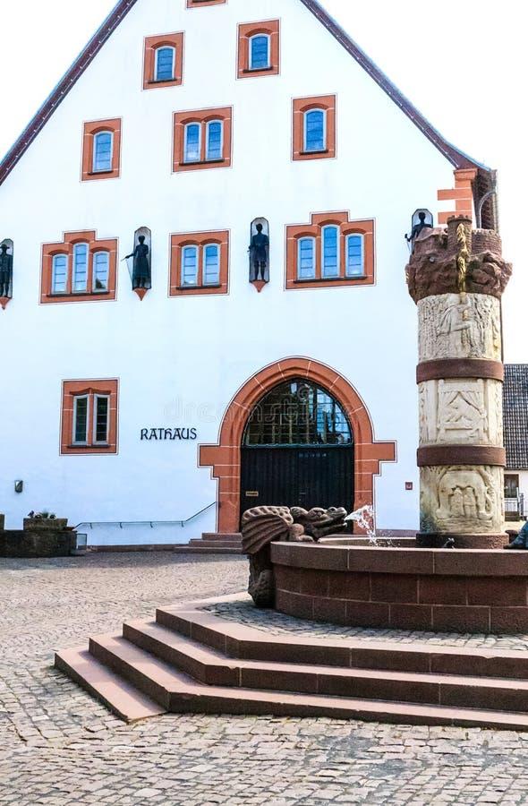 Ратуша в Steinau der Strasse, место рождения братьев Grimm стоковые фото