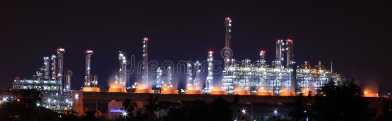 рафинадный завод завода масла стоковая фотография rf