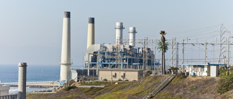 рафинадный завод нефтехимического завода масла индустрии стоковое фото rf