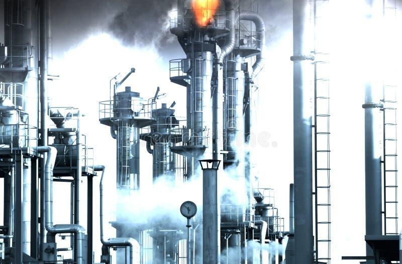 Рафинадный завод нефти и газ стоковое фото