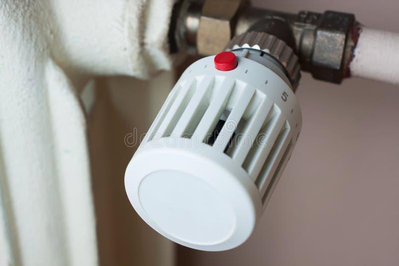 Радиатор и термостат стоковая фотография