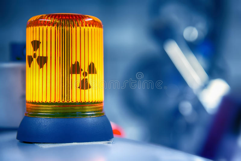 Радиация предупреждающей лампы радиоактивная стоковая фотография rf